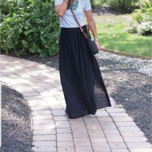 Banana Republic Pleated Tulle Skirt